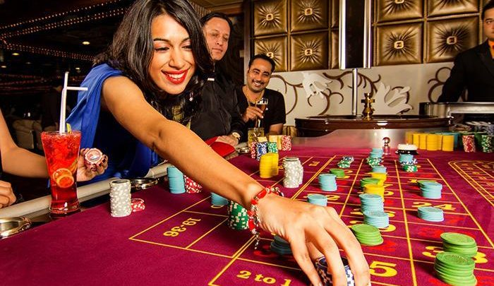 Why do online casinos offer bonuses?